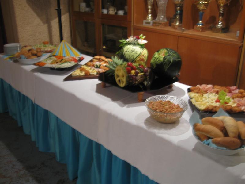 9a4b08db8c17e Párty Centrum - Banská Bystrica - Catering, raut, obložené misy ...